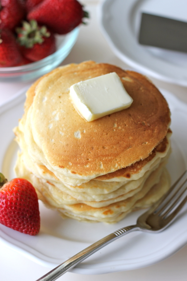 Buttermilk Pancakes with Strawberry Sauce - Start your mornings off right with these fluffy, melt-in-your-mouth pancakes!