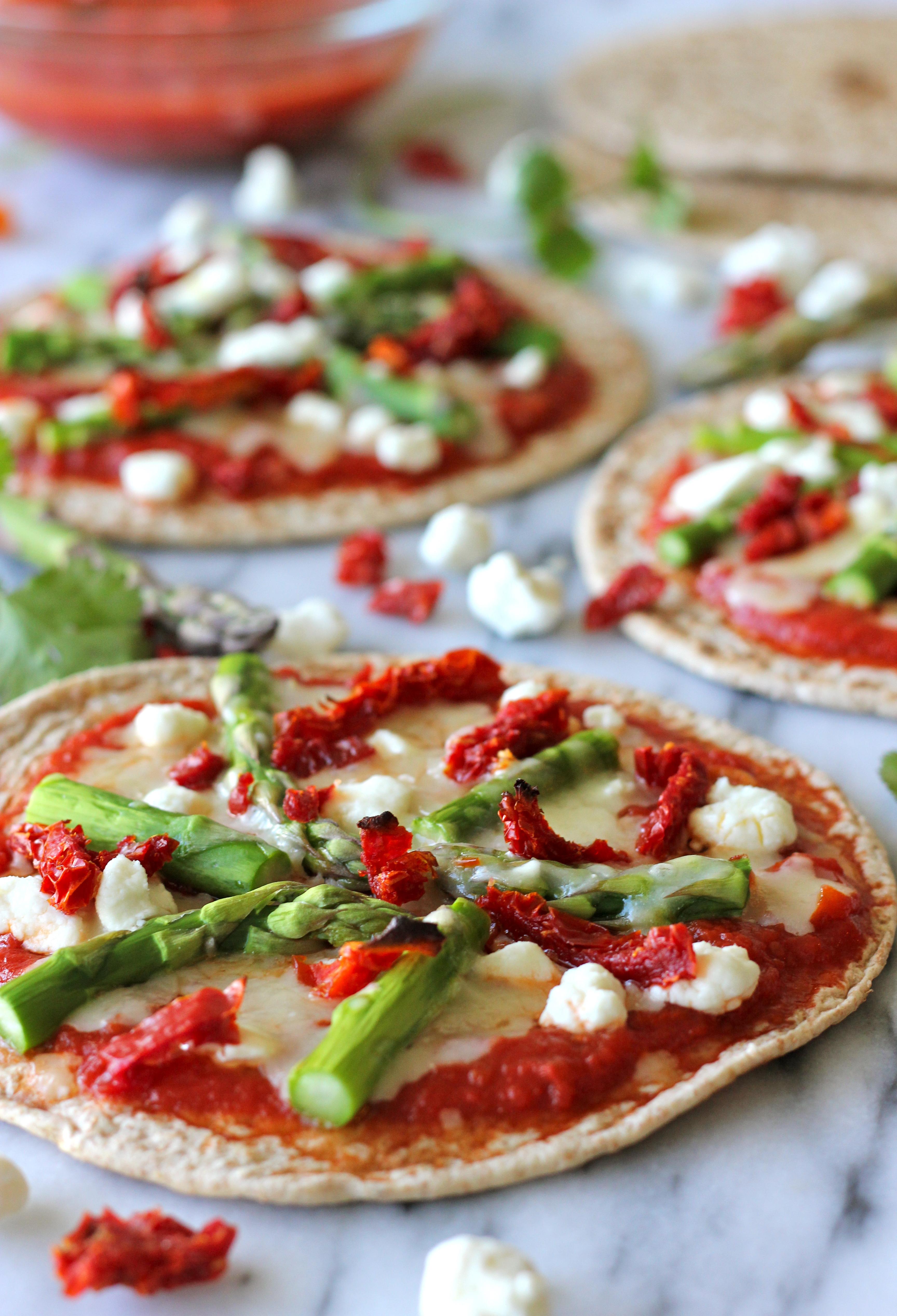 Whole Wheat Veggie Flatbread Pizza - Damn Delicious
