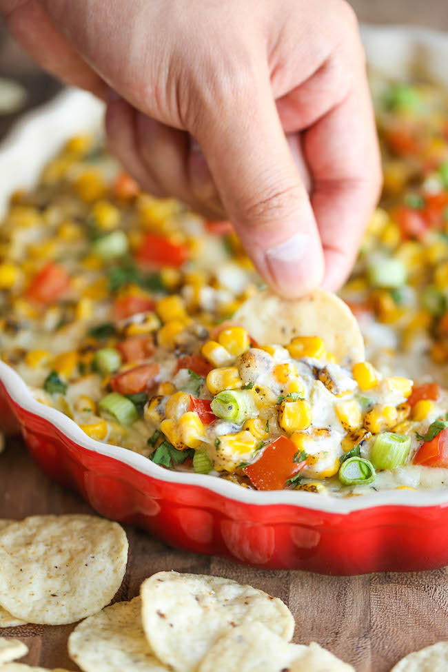 Hot Cheesy Corn Dip - A super easy and amazingly creamy corn dip that ...