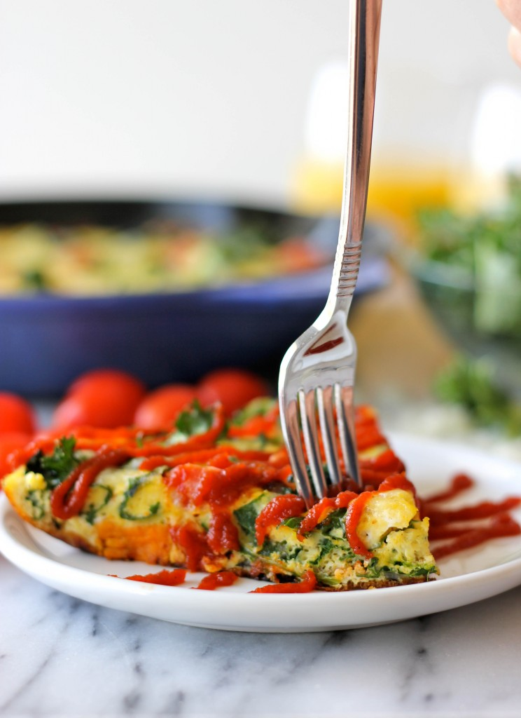 Potato Kale Frittata - Loaded with caramelized onions, tomatoes, kale ...