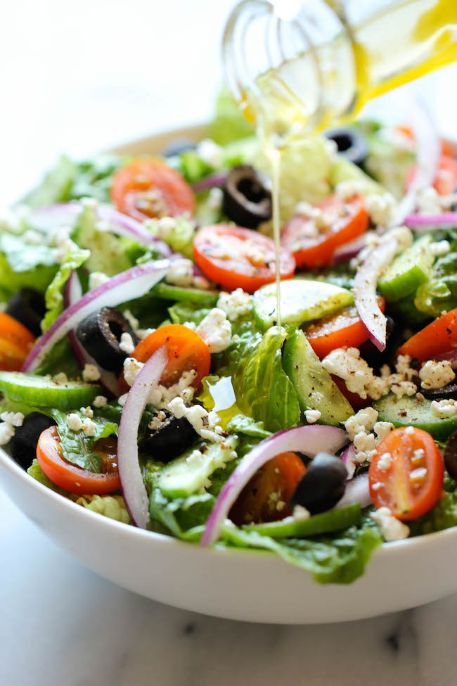 Greek Salad - This healthy Greek salad is absolutely amazing..