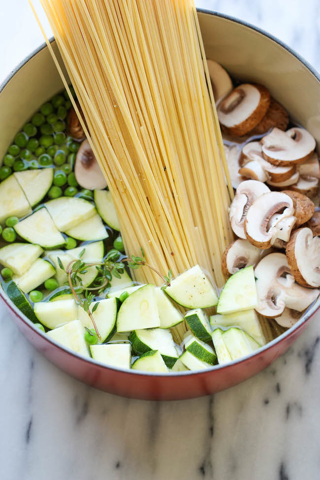 One Pot Zucchini Mushroom Pasta - An incredibly creamy, hearty pasta dish that you can make in just 20 minutes. Even the pasta gets cooked right in the pot!