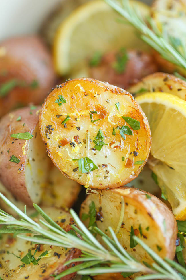 Lemon Rosemary Roasted Potatoes - Lemon and rosemary come together ...