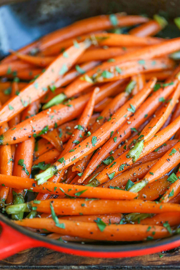 Cinnamon Brown Sugar Carrots - No-fuss easy peasy carrots glazed with butter, brown sugar and cinnamon. These carrots are sweet, savory, and simply amazing!