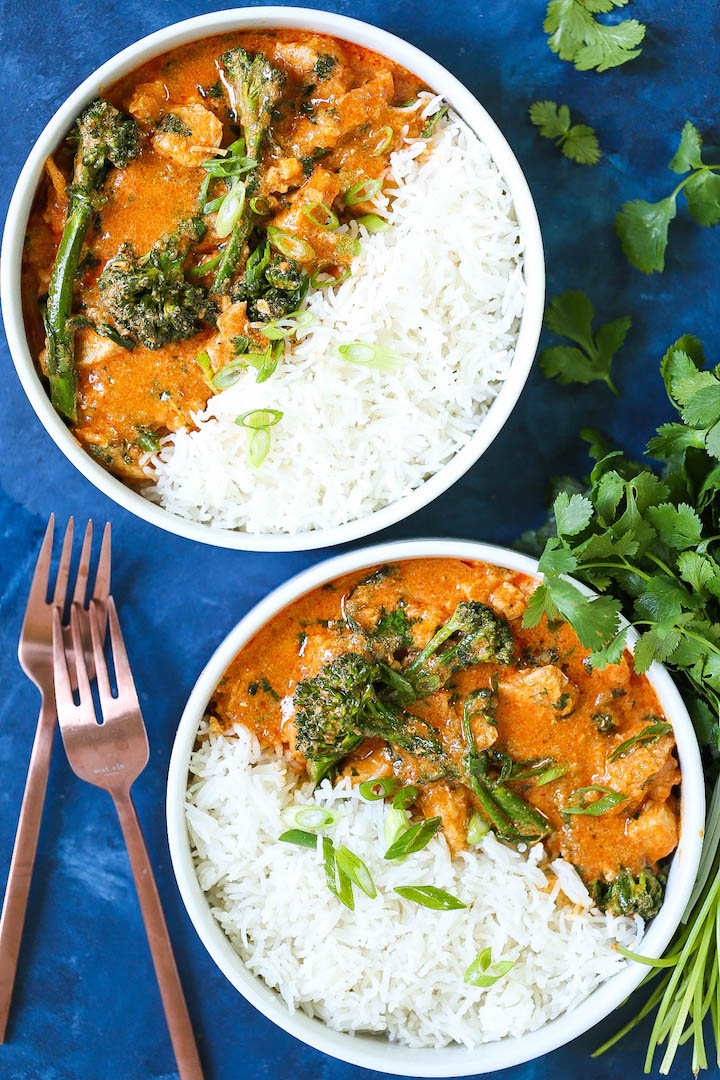 Easy Thai Red Curry - The easiest and most flavorful homemade Thai red curry you will ever make in just 30-40 minutes! It tastes just like the restaurant-version, except 10000x times better and cheaper!